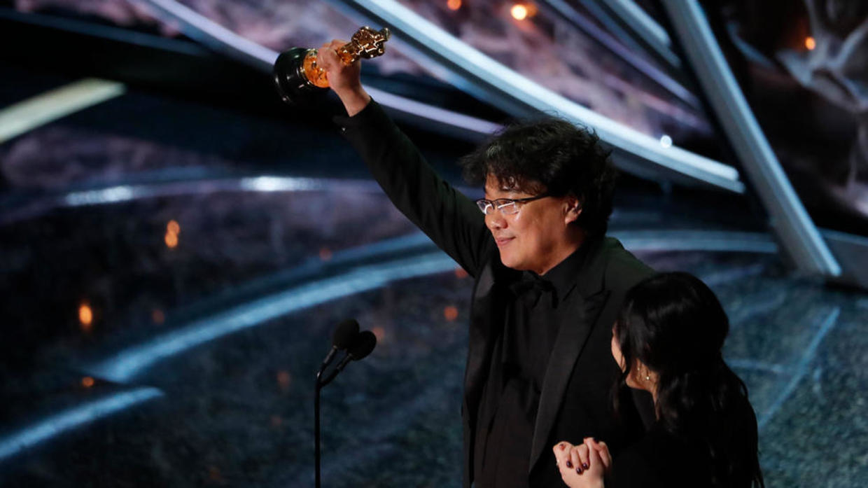 توزيع جوائز الأوسكار وسط مفاجآت من العيار الثقيل