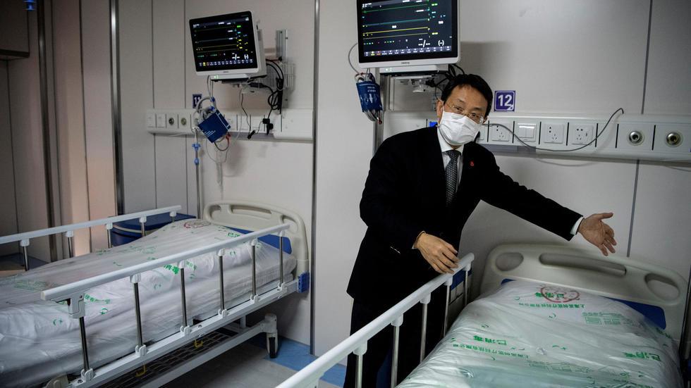 الصين: حصيلة الوفيات جراء الإصابة بفيروس كورونا تبلغ حاجز 2000