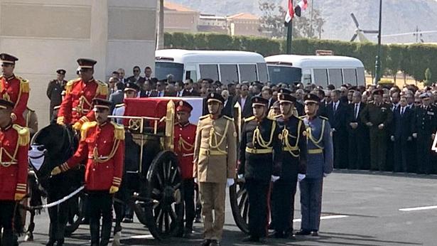 مصر… تشييع جثمان الرئيس الأسبق حسني مبارك