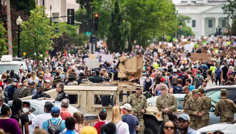 ترامب يسحب الحرس الوطني معتبرا أن الوضع تحت السيطرة