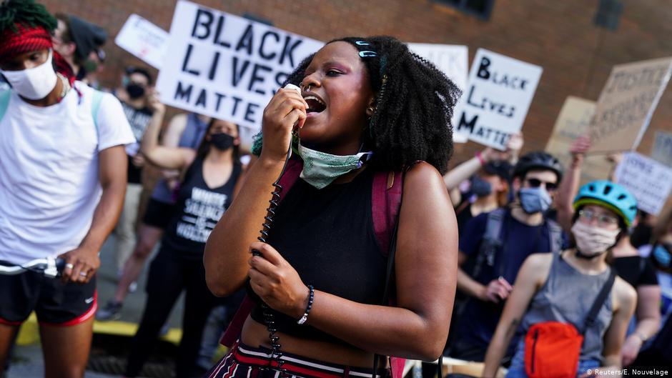 استقالة رئيسة شرطة أتلانتا واحتجاجات بعد مقتل رجل أسود