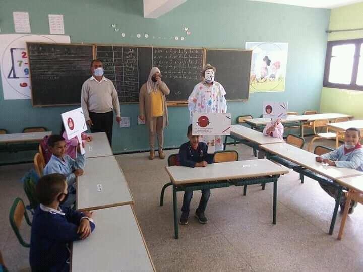 حملة تحسيسية وتوعوية بمدرسة تورطة بالداخلة للوقاية من فيروس كورونا