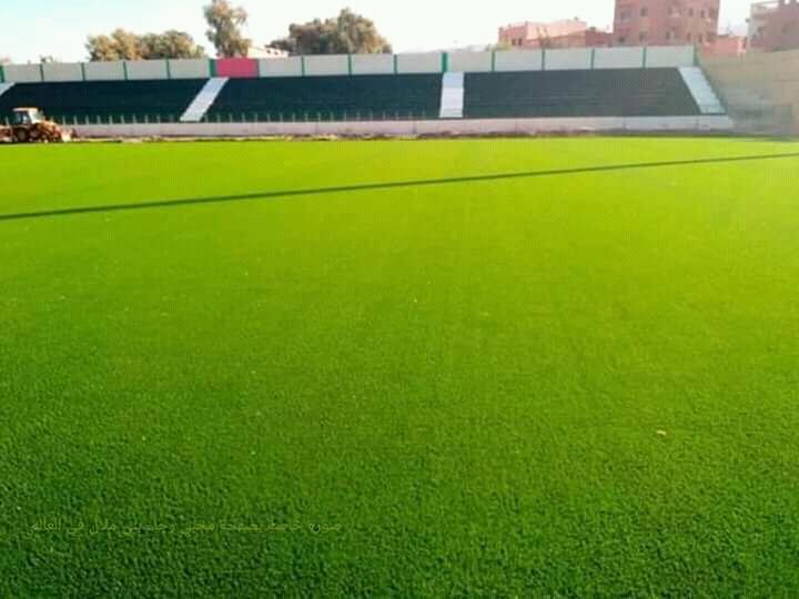 الملعب الشرفي لرجاء بني ملال بدون كراسي وغضب كبير يجتاح الجمهور المحلي