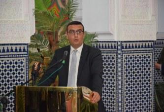 محمد امكراز.. يشرف على حفل توقيع اتفاقية جماعية بالقصر البلدي بالعيون