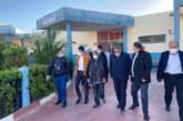 أمزازي بالمستشفى الإقليمي للداخلة للإطمئنان على الأطر الذين تعرضوا لحادث سير