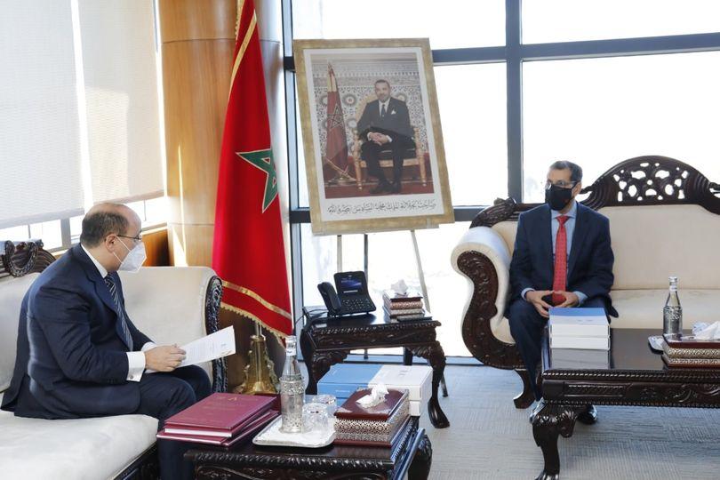 العثماني يستقبل رئيس هيئة مراقبة التأمينات والاحتياط الاجتماعي ويتسلم التقرير السنوي برسم 2019