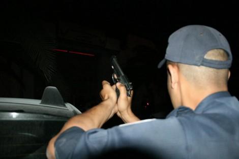 زايو .. عناصر الشرطة تضطر لاستعمال أسلحتها الوظيفية