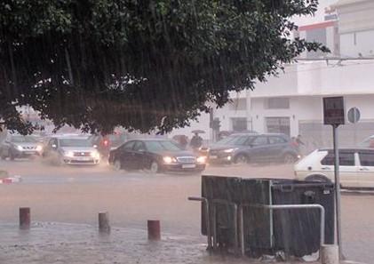 أمطار رعدية قوية ورياح قوية مرتقبة يومي الخميس والجمعة