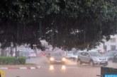 رياح قوية وأمطار رعدية مرتقبة من الأربعاء للجمعة بعدد من مناطق المغرب